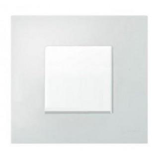 Декоративная накладка на рамку-базу, 1 место, S27Pl, антибактериальная, белый