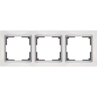 Рамка на 3 поста WL03-Frame-03 белый