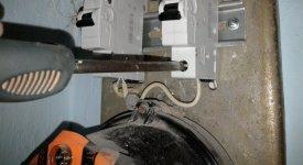 Как заменить пробки на автоматические выключатели?